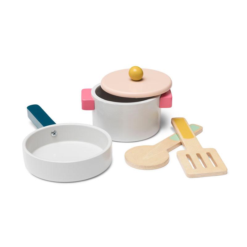 Wooden pot and pan set