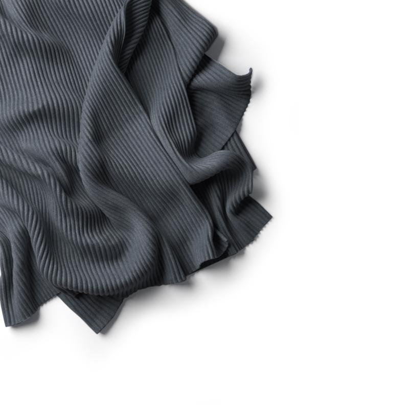 Pleece Throw, Dark grey